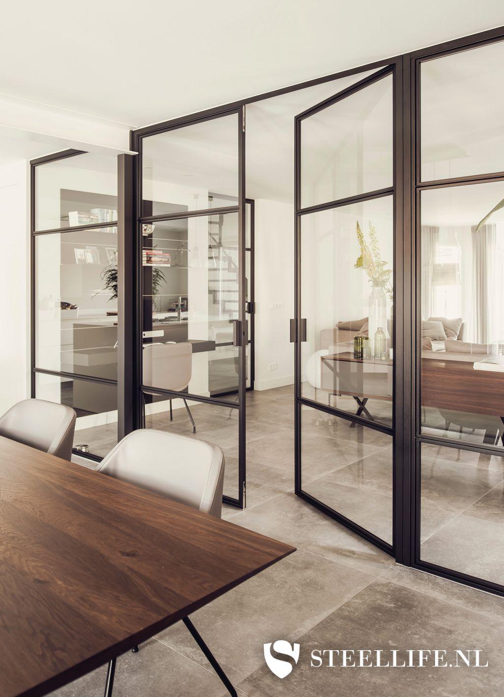 Wonderbaarlijk Stalen deuren met glas en stalen trappen | Steellife® YR-89