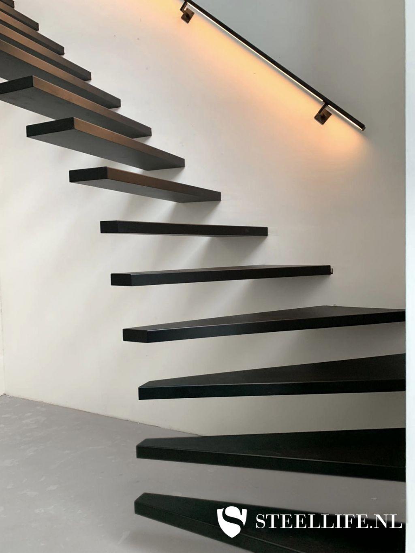 Bekend Stalen trappen en trapleuningen van SteelLife #UQ54